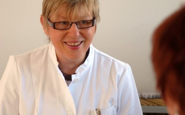 Gesundheitsautorin Dr. med. Monika Baumann